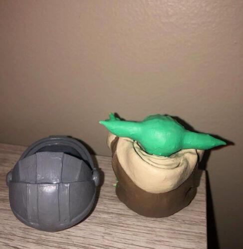 Baby Yoda Sitting - Back